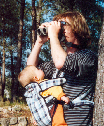 2004 – Alcossebre, Castelló (Spain). Kids and birds, what a fantastic combination! My children have inherited my curiosity.